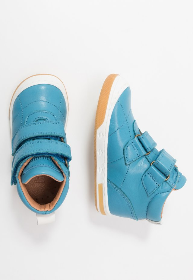 JUNO SHOE - Höga sneakers - jeans