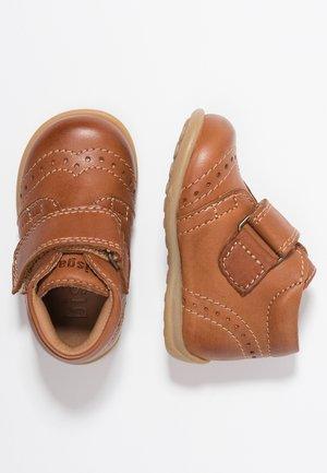 Baby shoes - cognac
