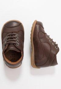 Bisgaard - CLASSIC PREWALKER - Baby shoes - brown - 0