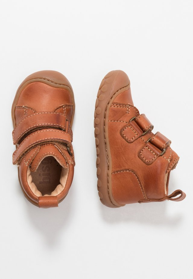 GERLE - Baby shoes - cognac