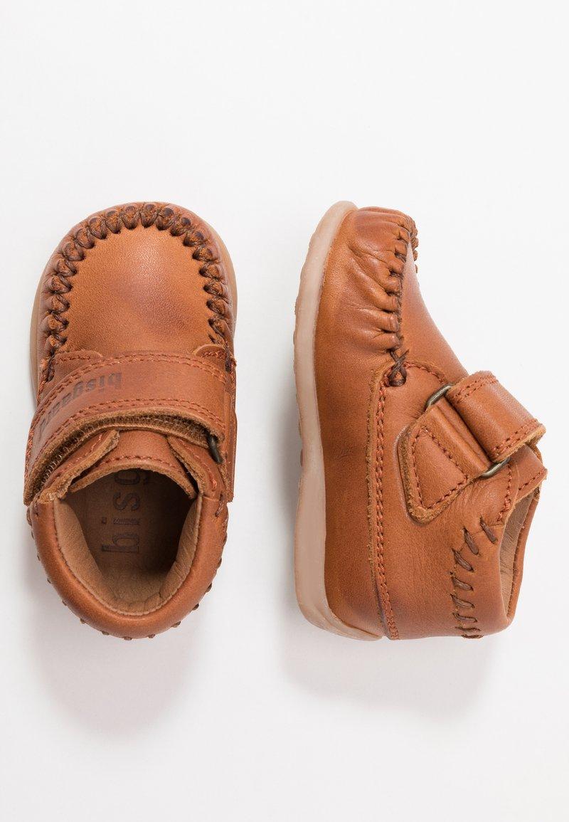 Bisgaard - MOCCASIN PREWALKER - Baby shoes - cognac