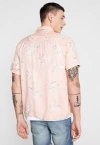 Bellfield - POCKET CAMP COLLAR PARADISE  - Chemise - pink - 2