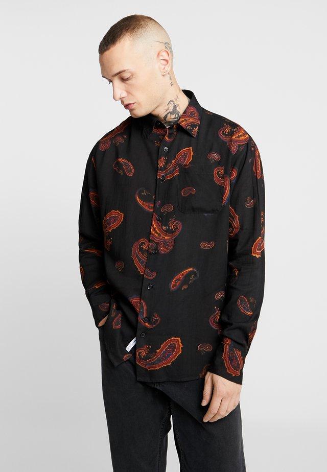 SINGLE POCKET LONG SLEEVE PAISLEY PRINT  - Skjorta - black