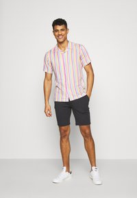 Bellfield - CUBAN COLLAR STRIPE PRINT - Shirt - white - 1
