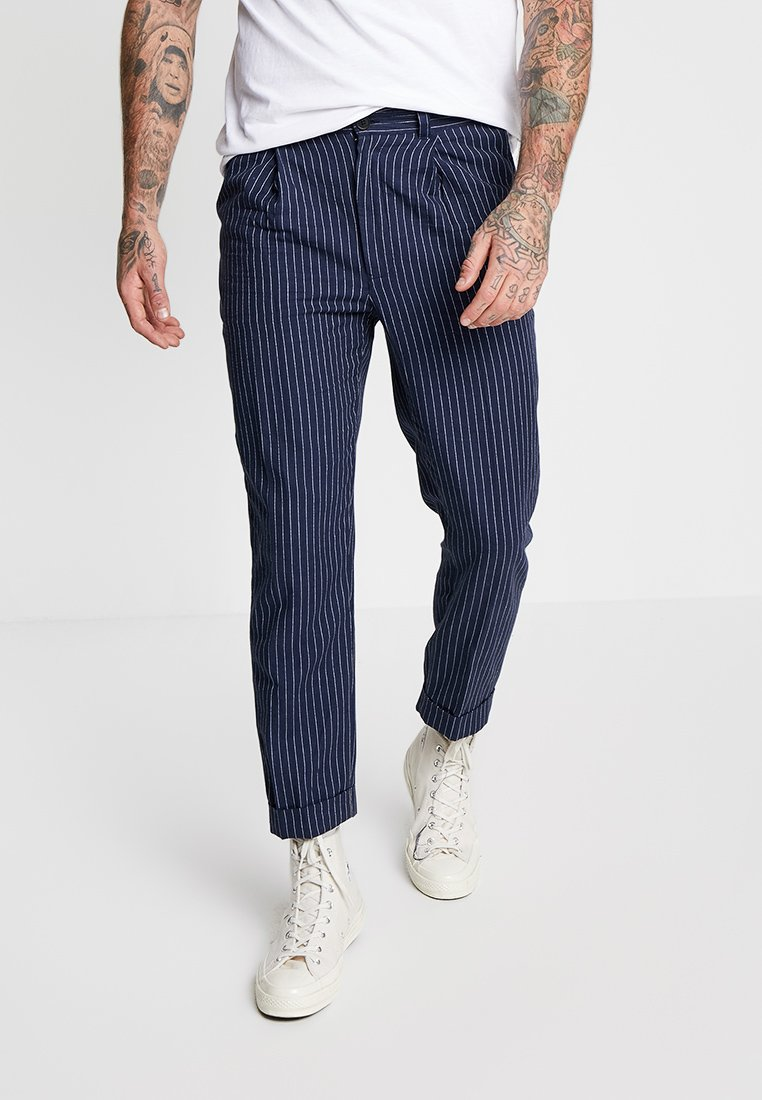 Bellfield - CROPPED TAPERED TURN UP RESORT TROUSER - Trousers - navy