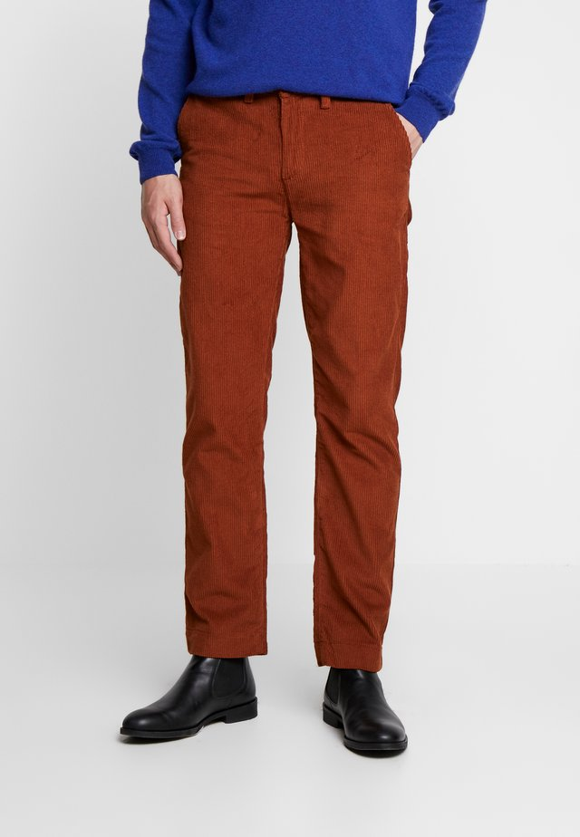 TROUSER - Kalhoty - old gold