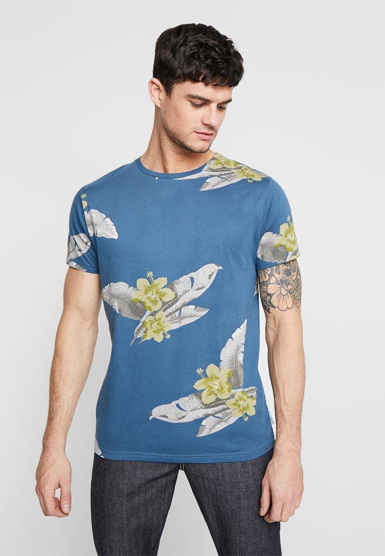 Bellfield - HIBISCUS AND LEAVES TEE - Print T-shirt - dark turquoise