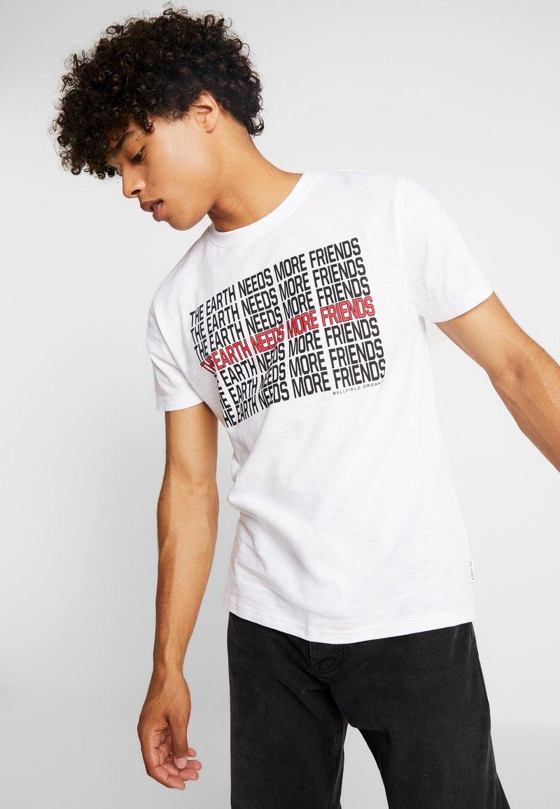 Bellfield - ECO EARTH - Print T-shirt - white