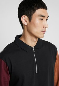 Bellfield - COLOUR BLOCK - Polo - black - 4