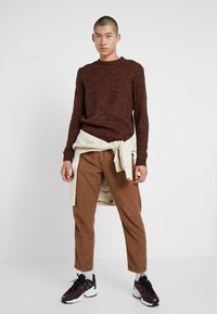 Bellfield - TWISTED CREW NECK - Pullover - ginger - 1