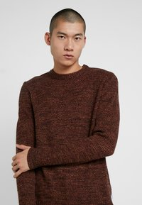 Bellfield - TWISTED CREW NECK - Pullover - ginger - 3