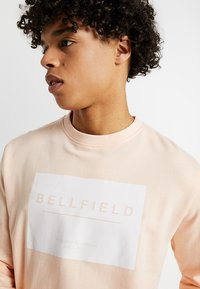 Bellfield - BOX LOGO CREW NECK SWEAT - Sudadera - dusty pink - 4