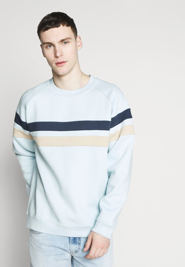 CUT AND SEW CREW NECK - Sweater - pale blue