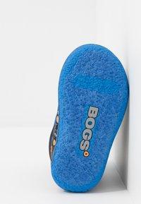 Bogs - BABY CONSTRUCTION - Snowboots  - black/multicolor - 4