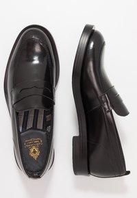 Base London - FULTON - Elegantní nazouvací boty - hi shine black - 1