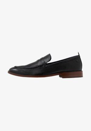 LENSE - Elegantní nazouvací boty - waxy black