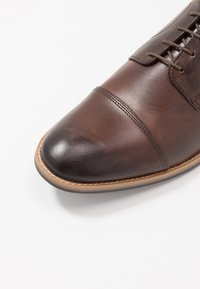 Base London - THORPE - Schnürer - burnished brown - 5