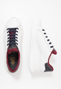 Base London - CRESCENT - Trainers - waxy white/navy - 1