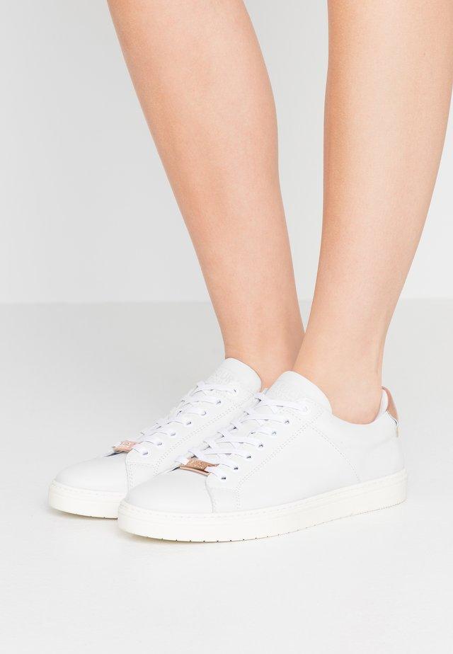 HERRERA - Sneakers laag - white/rose gold