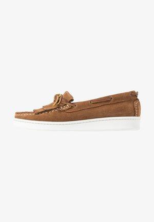 KLARA - Boat shoes - congac