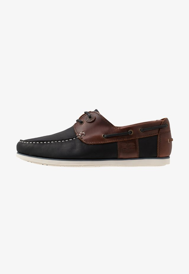 CAPSTAN - Boat shoes - navy/brown