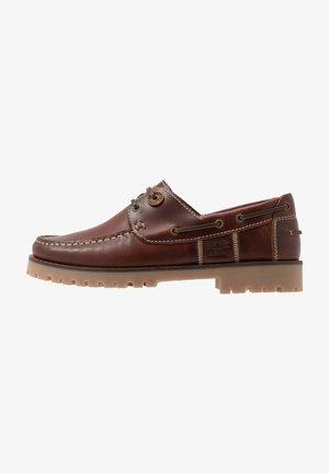 STERN - Boat shoes - mahogony
