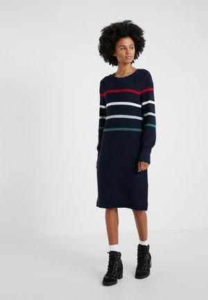 SHOREWARD DRESS - Strickkleid - navy