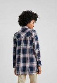 Barbour - Blouse - navy/rouge - 2