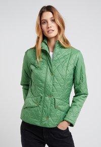 Barbour - FLYWEIGHT CAVALRY QUILT - Light jacket - clover - 0