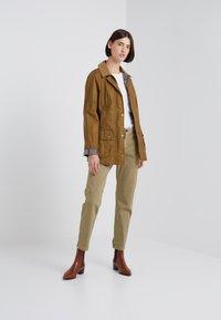 Barbour - LIGHTWEIGHT BEADNELL - Short coat - camel - 1