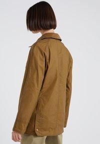 Barbour - LIGHTWEIGHT BEADNELL - Short coat - camel - 2