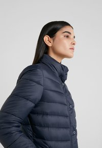Barbour - UPLAND QUILT - Light jacket - navy - 4