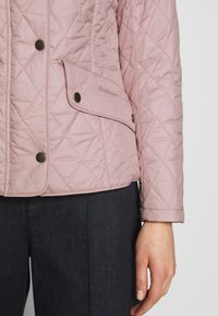 Barbour - FLYWEIGHT CAVALRY QUILT - Light jacket - blossom - 5