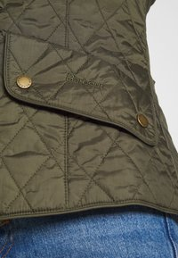 Barbour - FLYWEIGHT CAVALRY QUILT - Light jacket - olive - 5