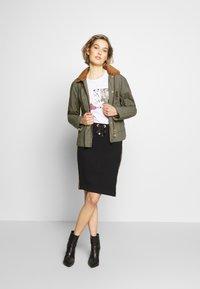 Barbour - RE-ENGINEERED SPEY - Summer jacket - olive - 1