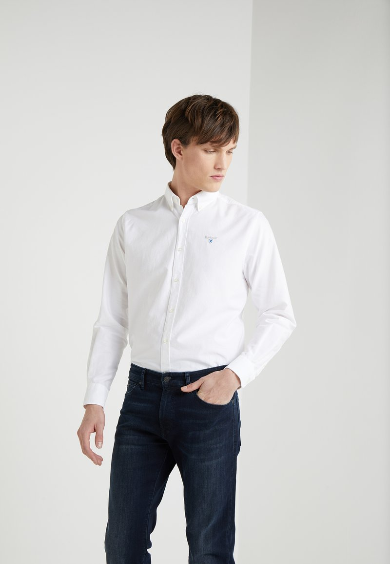 Barbour - OXFORD TAILORED FIT - Shirt - white