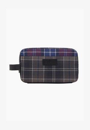 MIXED TARTAN WASH BAG - Wash bag - merlot/shadow