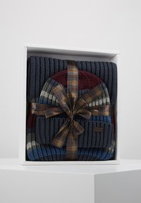 Barbour - STRIPE BEANIE SCARF SET - Scarf - navy - 0
