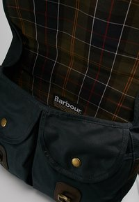 Barbour - TARRAS - Schoudertas - navy - 4