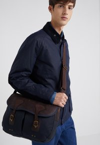 Barbour - TARRAS - Schoudertas - navy - 1