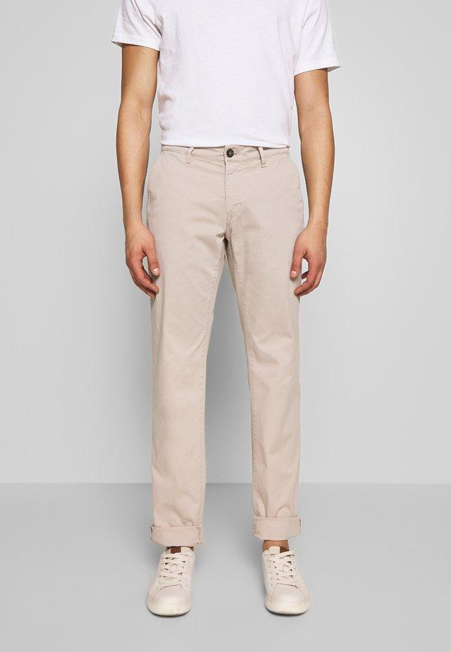 JUSTO - Chino kalhoty - beige
