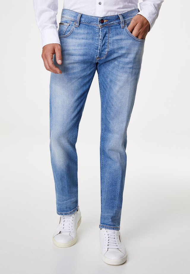 JETT - Slim fit jeans - light blue