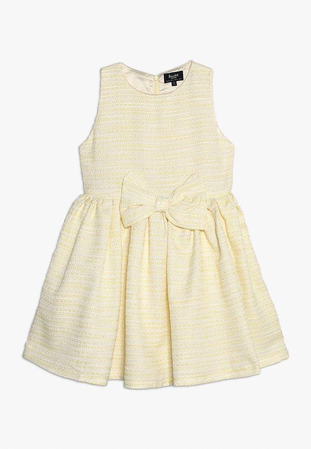 BOWIE BOUCLE DRESS - Cocktailkleid/festliches Kleid - pastel yellow