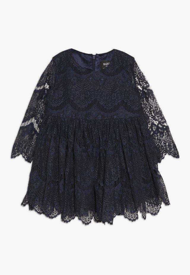 GERTRUDE DRESS - Koktejlové šaty/ šaty na párty - navy