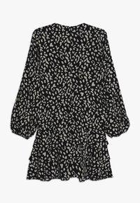 Bardot Junior - CASSIDY WRAP DRESS - Denní šaty - black - 1