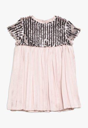 NOLENE DRESS - Cocktailkjoler / festkjoler - blush
