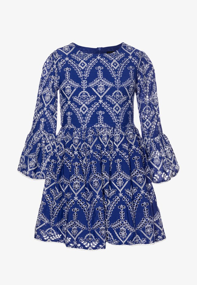 BRODERIE DRESS - Vestito estivo - amparo blue
