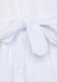 Bardot Junior - EDNA RUFFLE DRESS - Koktejlové šaty/ šaty na párty - ivory - 2
