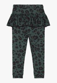 WAUW CAPOW by Bangbang Copenhagen - BETTY - Leggings - Trousers - green - 1