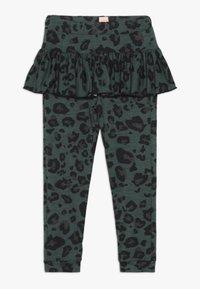 WAUW CAPOW by Bangbang Copenhagen - BETTY - Leggings - Trousers - green - 0